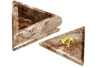 треугольная шкатулка из креноида